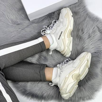 Женские кроссовки в стиле Balenciaga Triple S White Cream, фото 2