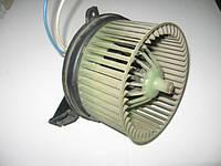 Моторчик (вентилятор) печки на Nissan Vanette 1982-1994 год