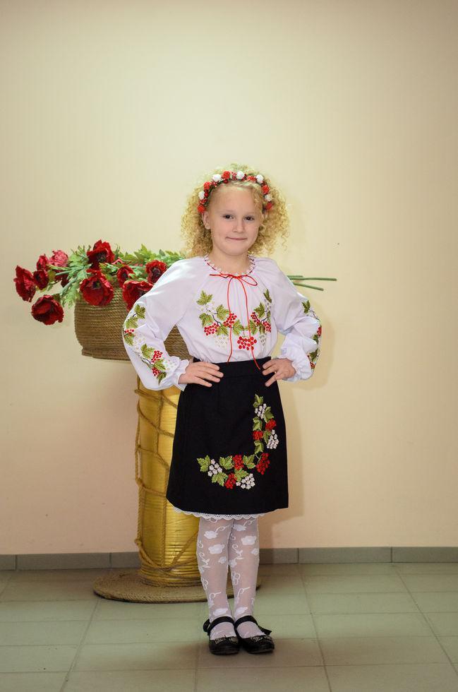 Юбка Волинські візерунки украинская вышитая Красная калина  146 см черная