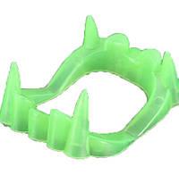 Зубы вампира для взрослого светонакопительные