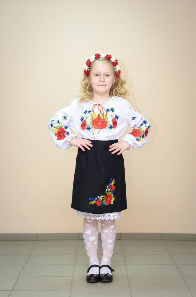 Юбка Волинські візерунки украинская вышитая на девочку Полевые цветы 140 см черная