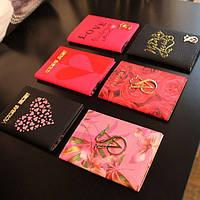 Яркая обложка для паспорта Victoria Secret