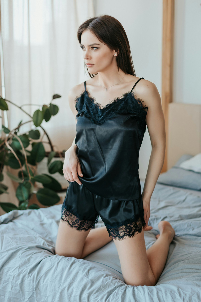 Шелковый нежный пижамный комплект майка шорты