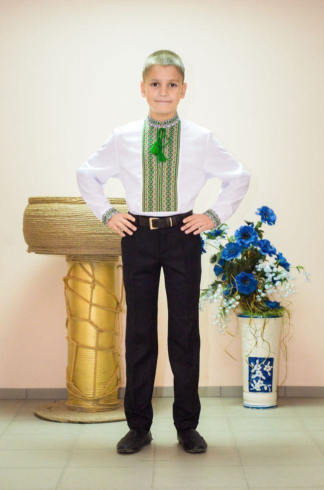 Вышиванка детская Волинські візерунки тканая зеленая 122 см белая