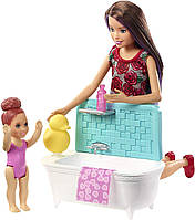Игровой набор Barbie Skipper Babysitters Барби Уход за малышами Кукла Скиппер Няня в ванной FXH05