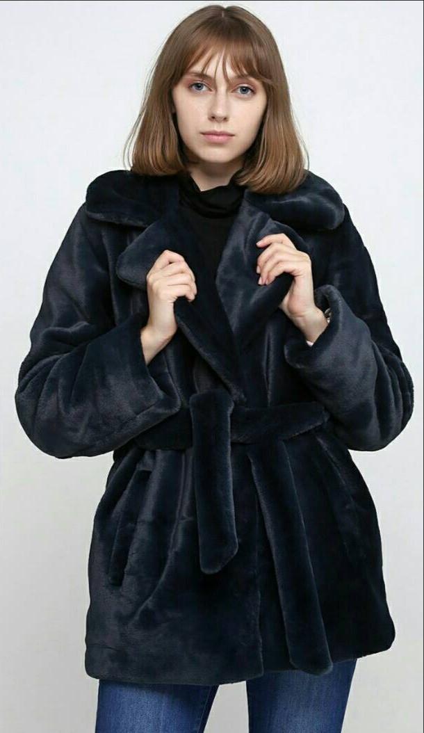 Стильная черная короткая  женская шубка мутон