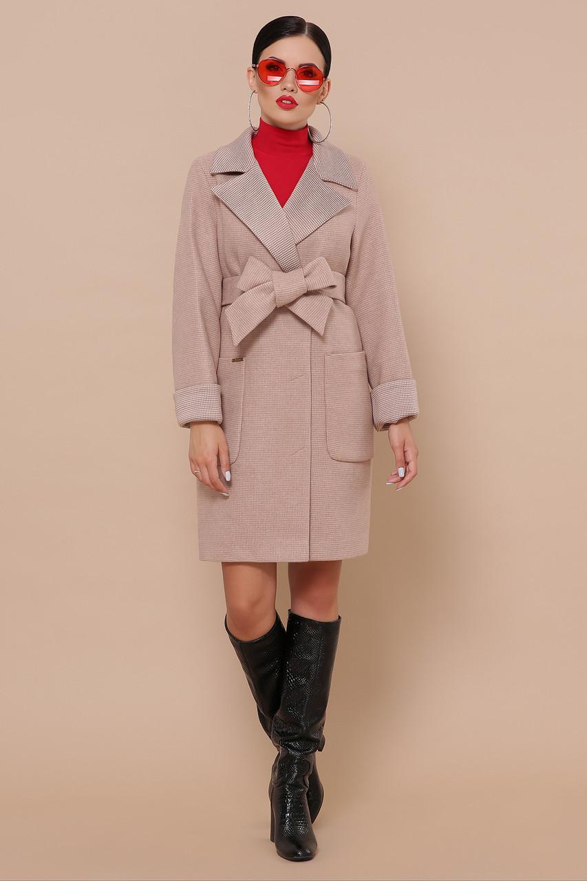 Пальто женское осенне-весеннее с английским воротником песочное П-347-М-90