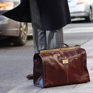 Чоловічі саквояжі, дорожні і спортивні сумки з натуральної шкіри