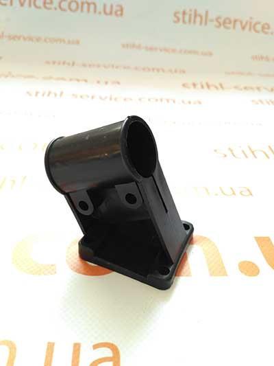 Кріплення кожуха (захисту) на мотокосу, d 26mm