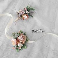 Свадебный набор бутоньерка и браслет на руку в пудровых цветах.