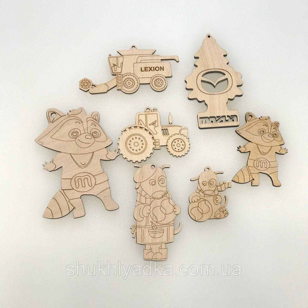 Брендовані новорічні іграшки-емблеми, брелоки