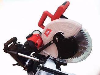 Пила торцовочная LEX LXCM212 / 2300 Вт / 305 мм диск / Лазерный указатель