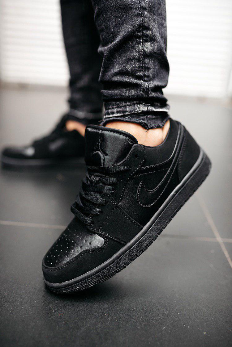 Кроссовки мужские Nike Air Jordan1 Low Triple Black
