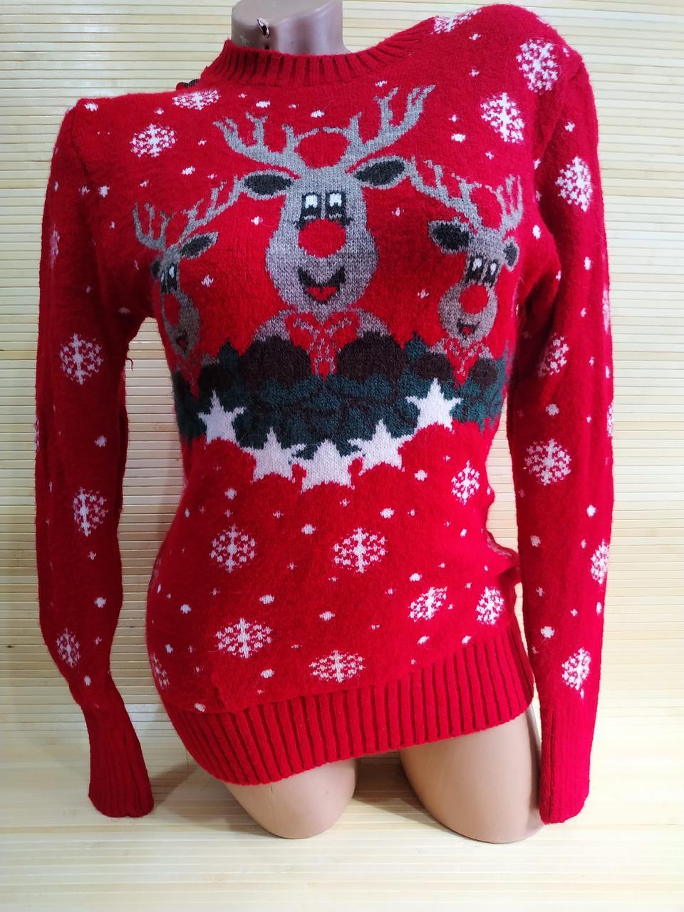 Теплый свитер с оленем красный Турция