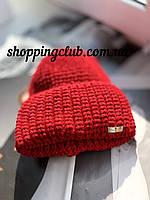 Женская шапка теплая с двойным отворотом красная