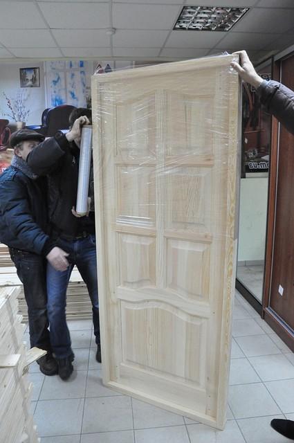 Двери натуральные деревянные сосновые