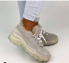 Женские замшевые ботинки серые