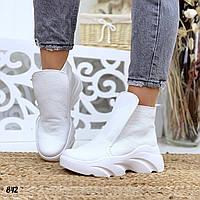 Женские белые кожаные кеды-хайтопы на белой макси подошве (осень и зима)