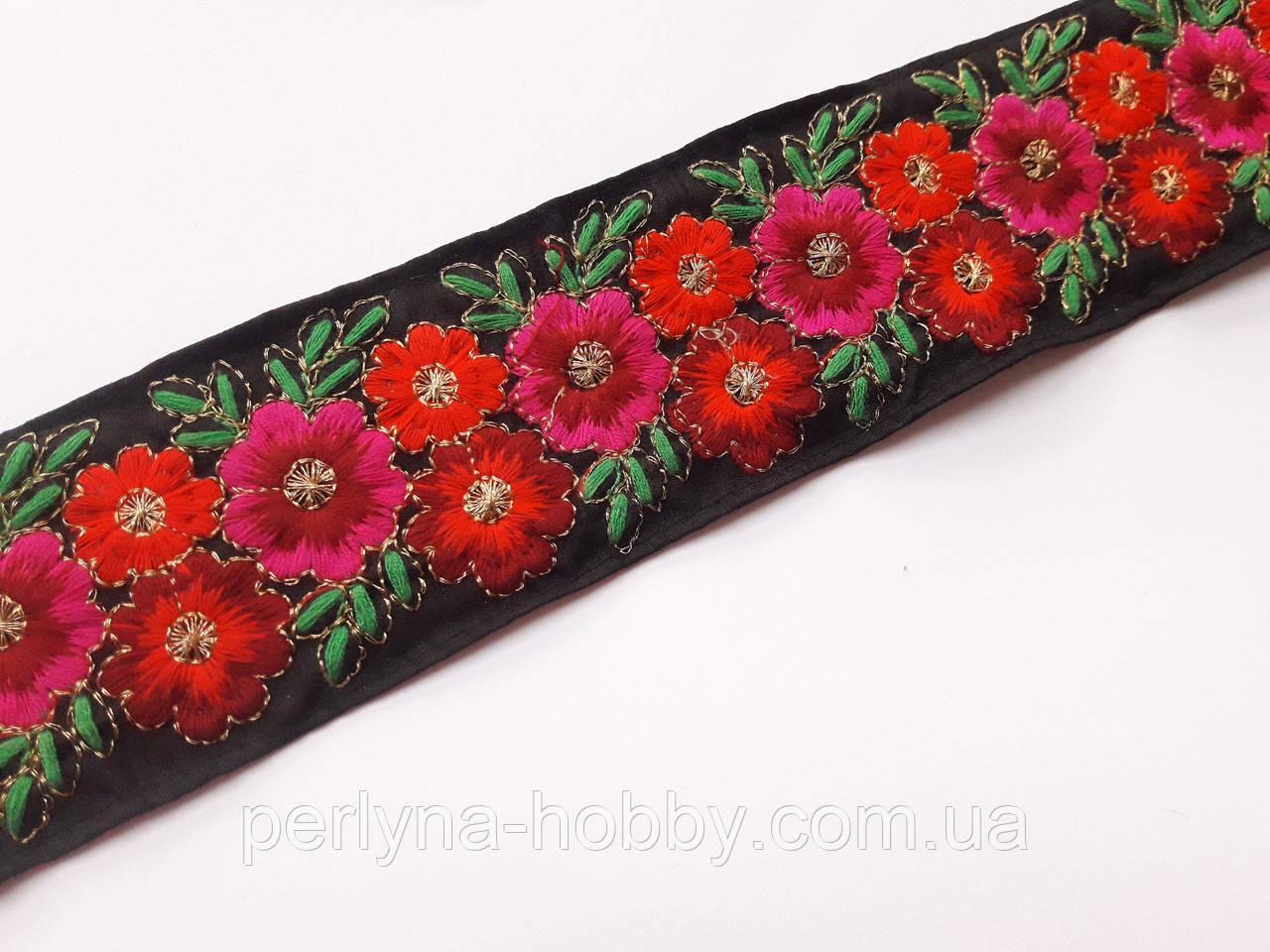 """Тесьма  з вишитим орнаментом ткана  """"Червоні квіти на чорному"""" 6 см. На метраж"""