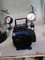 Вакуумно-нагнетательный насос фирмы Миллипор (Millipore) с резервуаром Б\У