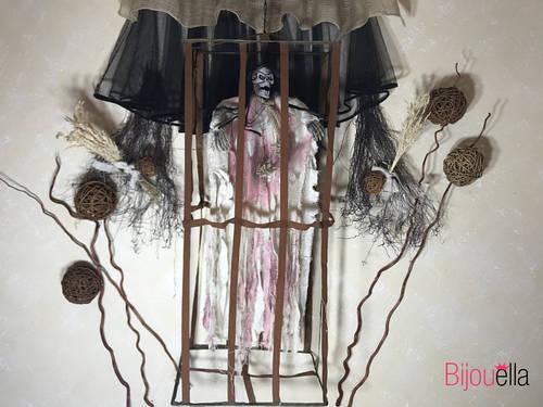 Заключенная мумия в клетке с криком и мигающими глазами страшная кукла для Хеллоуина