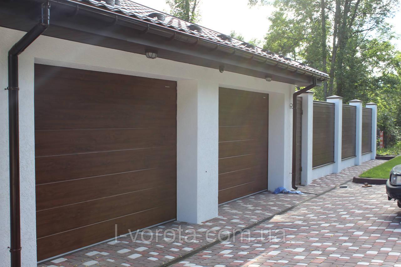 Секционные гаражные ворота DoorHan 3000×2500 (цвет темный дуб)