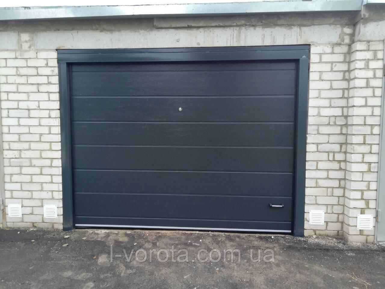 Секционные гаражные ворота DoorHan 3000×2000 (цвет антрацит)