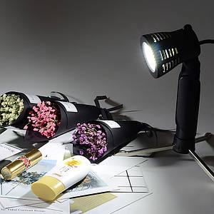 Постоянный LED свет (5500K) для предметной или макросъемки.