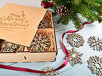 Новорічні іграшки з дерева, новорічні сніжинки