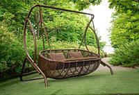 Качеля садовая из ротанга «Мароу Эко»