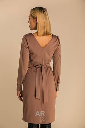 Осеннее деловое платье средней длины цвет темно-бежевый, фото 2