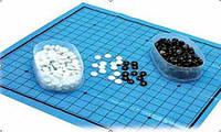 Игра Го - стеклянные камни, поле клеенчатое, камни 1.75 см.