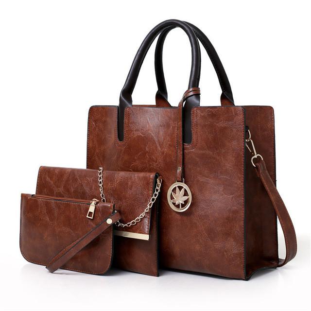 Набор женских сумок 3 предмета с брелком коричневого цвета 01186