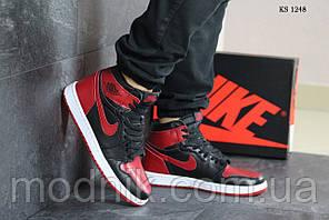 Мужские кроссовки Nike Air Jordan 1 Retro High OG (черно/красные)