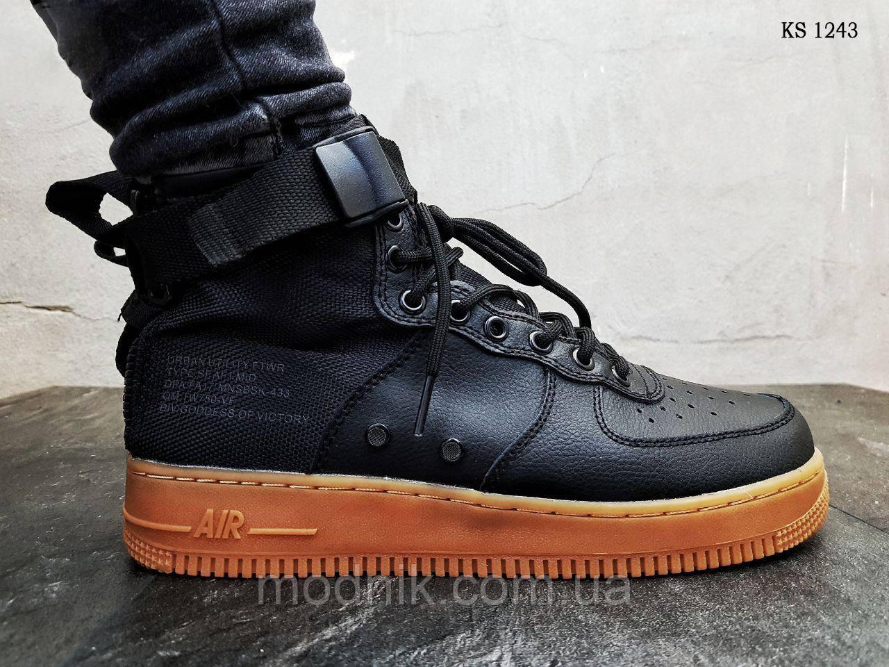Мужские кроссовки Nike SF Air Force 1 Mid (черные)