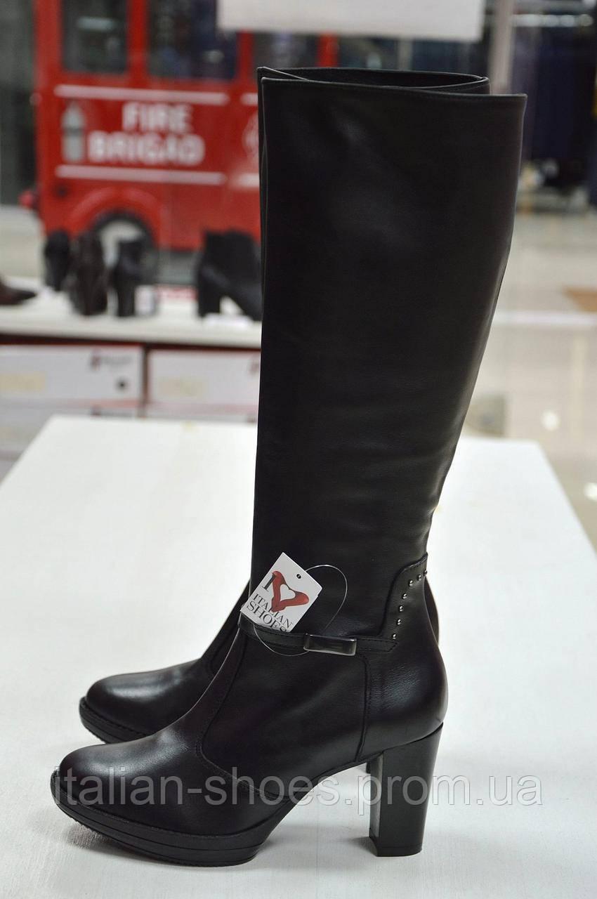 Сапоги черные кожаные на каблуке Roberta Lopes к.-514