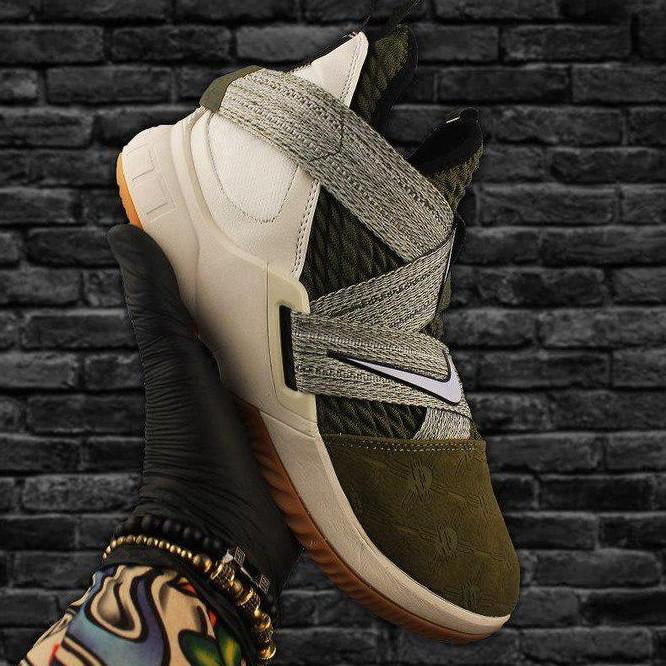 Кроссовки мужские Nike Air Jordan LeBrone зеленые-серые (Top replic)