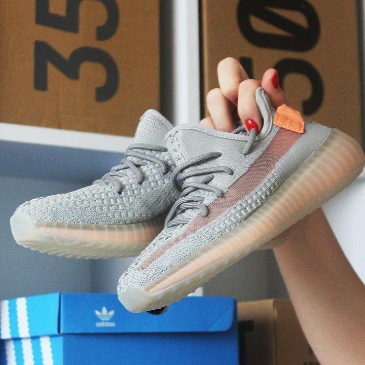 Кроссовки мужские Adidas Yeezy Boost 350 серые-оранжевые (Top replic)