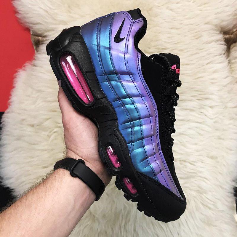 Кроссовки мужские Nike Air Max 95 черные-фиолетовые (Top replic)