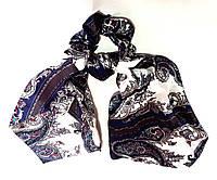 Резинка для волос с платком атласная с узорами бело-синяя