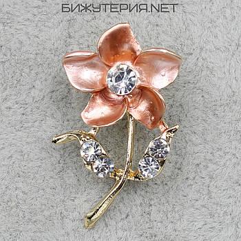 Брошь JB Цветок, розовая эмаль металл золотого цвета  декорирована стразами - 1055832309