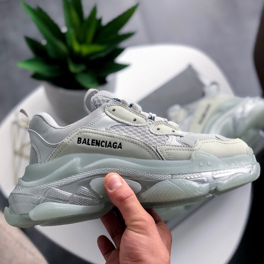 Кроссовки женские Balenciaga Triple-S серые Sneaker (Top replic)