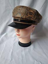 Женская кепка со змеиным принтом для настоящих модниц