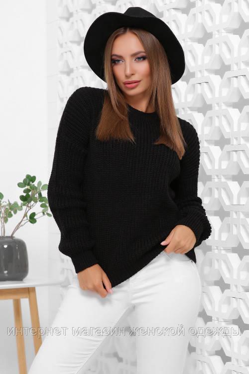 Женский вязаный однотонный свитер oversize с круглым вырезом черный