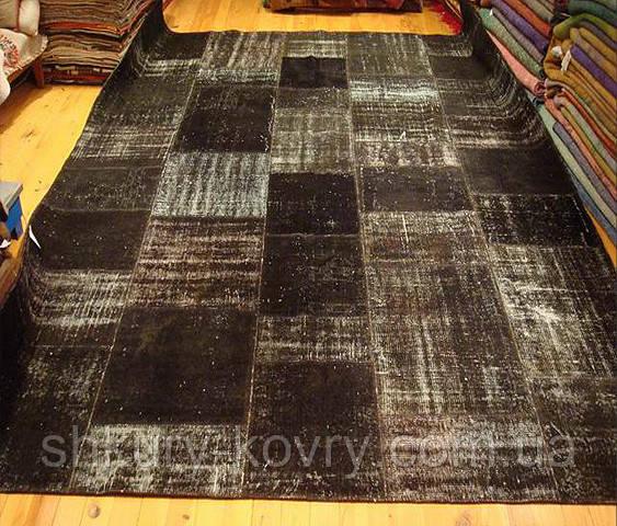 Ковер в черных оттенках на пол безворсовый винтажный