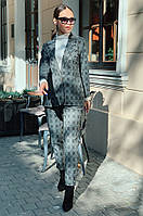 Женский деловой брючный костюм с пиджаком