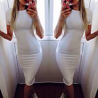 Платье по колено с коротким рукавом
