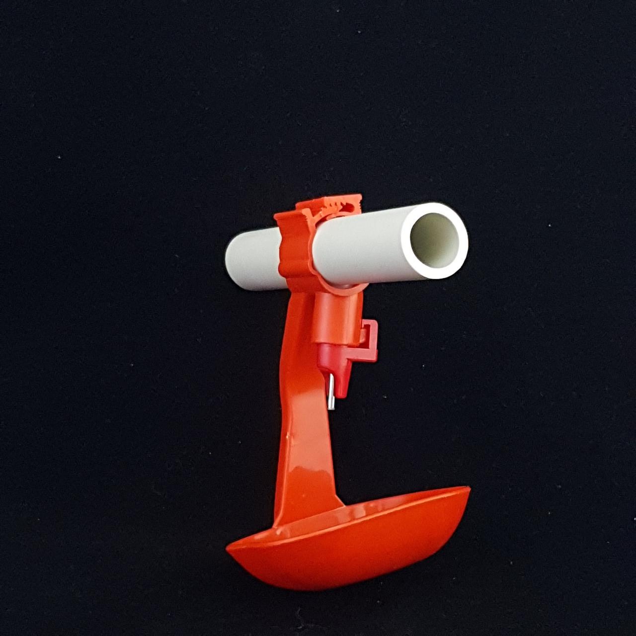 Ниппельная поилка для уток и гусей круглая труба 25мм с каплеуловителем