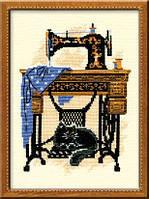 """Набор для вышивания """"Кошка со швейной машинкой"""""""