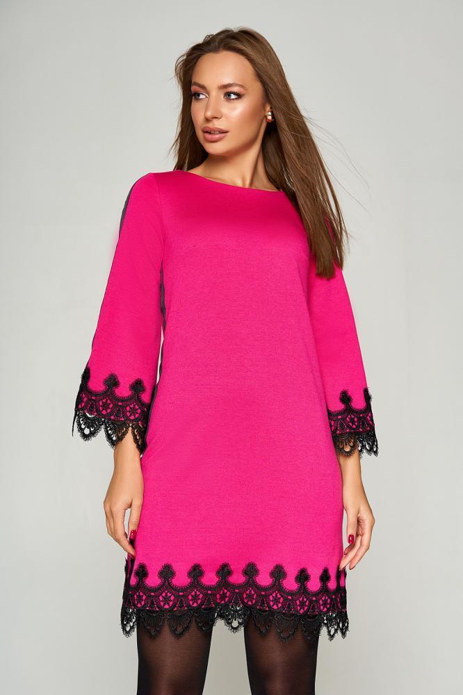 Нарядное платье трапеция короткое с кружевом розовое